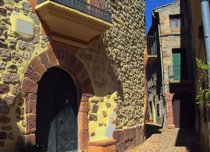 Guided tour - Barony of Escornalbou - Mari Carmen Granados